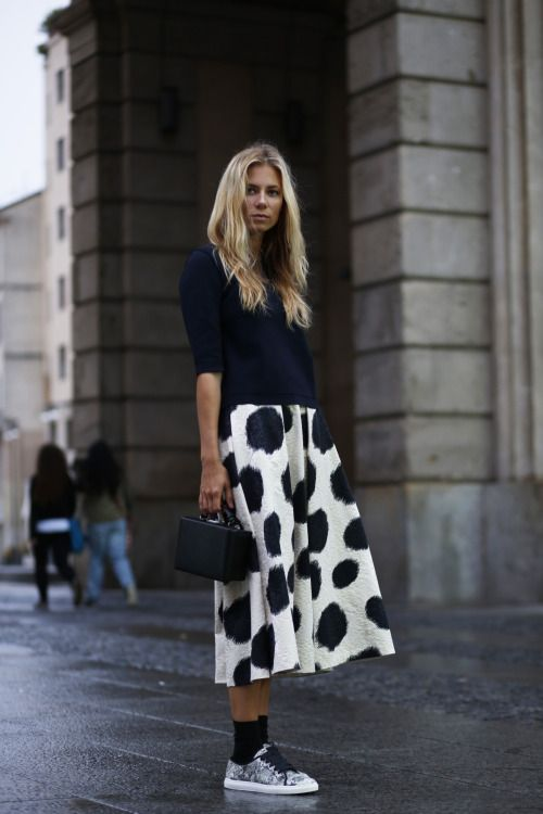 black-socks-with-skirt