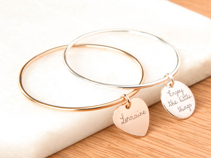 x-personalised-charm-bangle-new-merci-maman-10-800x600